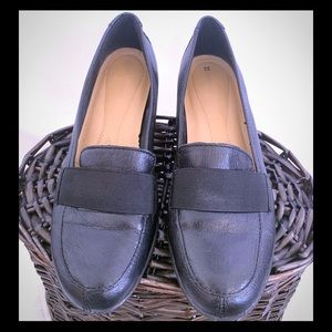 Naturalizer's black leather shoe size 9.5 leather